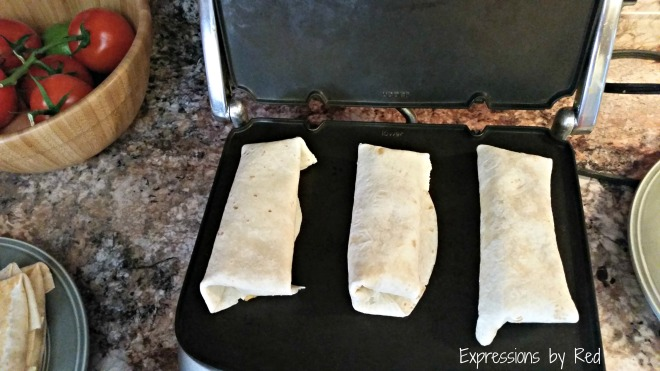 fast, cheap and easy burritos folding - expressions by red